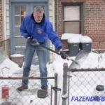 Какая лопата для уборки снега лучше – фанерная или пластиковая