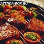 Два блюда на решетке на углях на мангале – мясной и рыбный рецепты